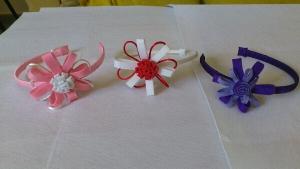 Diademas de Fieltro, forradas de lazo raso de alegres colores Ref; 033
