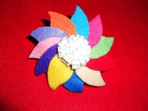 Fantastico coletero en alegres y variados colores de fieltro