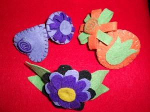 Originales y divertidos pasadores en diferentes colores con fieltro