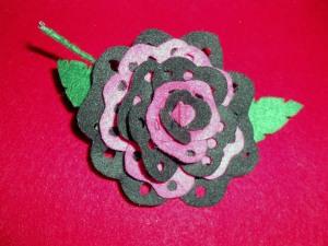 Fantastica flor de flamenca de fieltro de diferentes colores y diseños